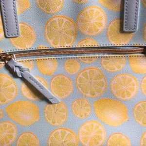 Dooney & Bourke Bags - SALE!! 🍋🍋 NWT Downey & Bourke Lemon Tote 🍋🍋